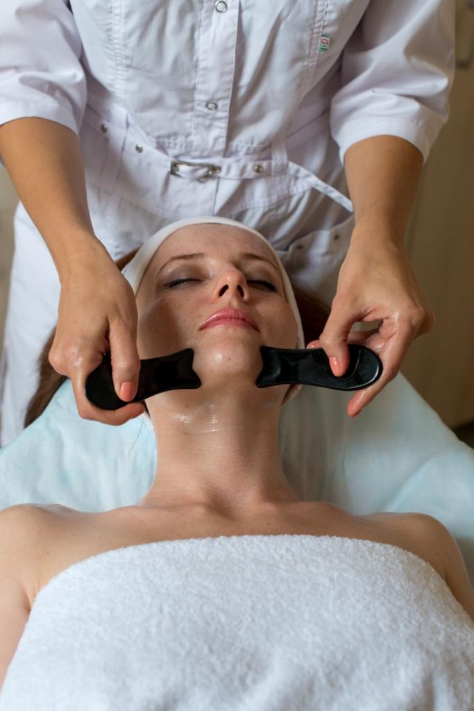 Скребковый массаж Гуа-Ша2